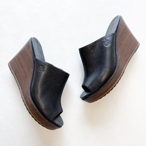 TIMBERLAND black leather wedge sandals